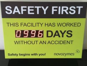 LED SIGN SHOWING DAYS WITHOUT ACCIDENT