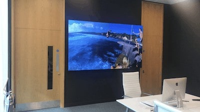"2 X 2 VIDEO WALL - 55"" - Phillips bdl5588xc - Installed"