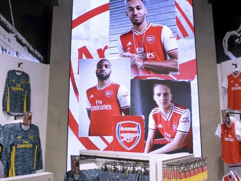 led screen spectacular at arsenal football club