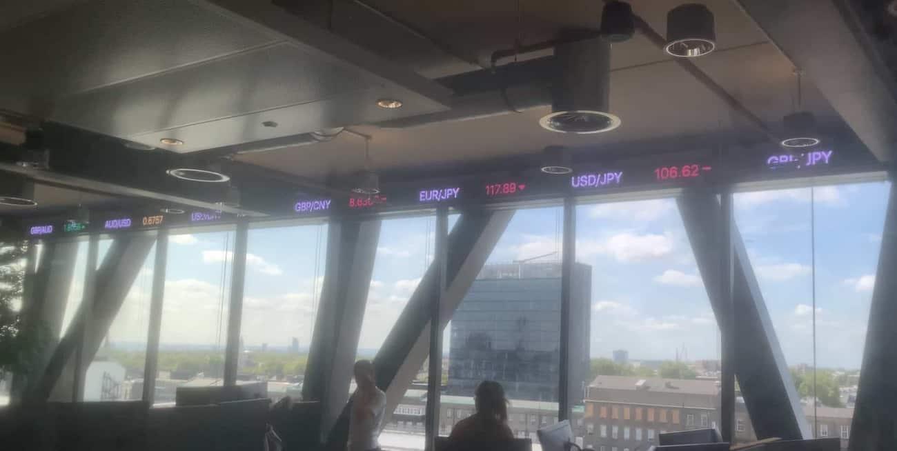 DYNAMO INSTALL CUSTOM LED TICKER AT TOP FX TRADING FLOOR