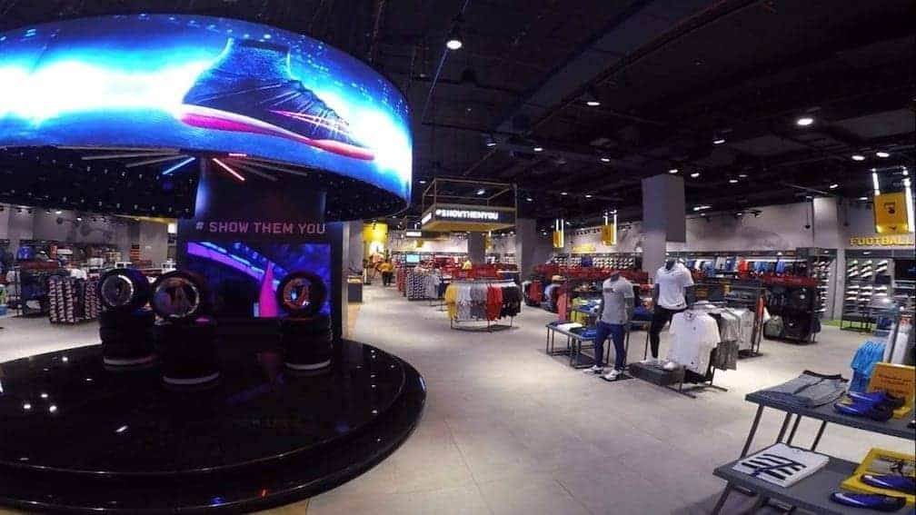 Flexible LED Screen at Dubai sport store